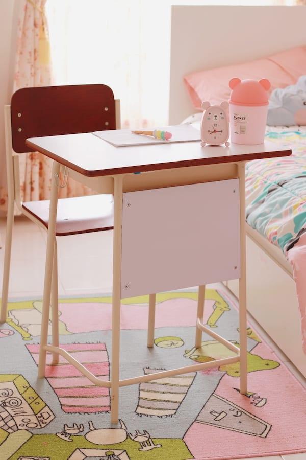 cari meja belajar anak