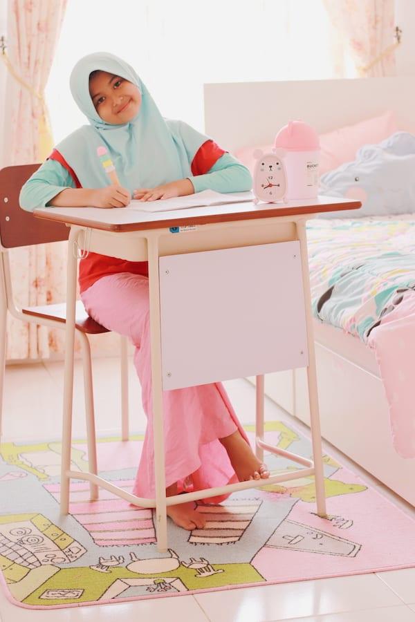 cari-meja-belajar-anak